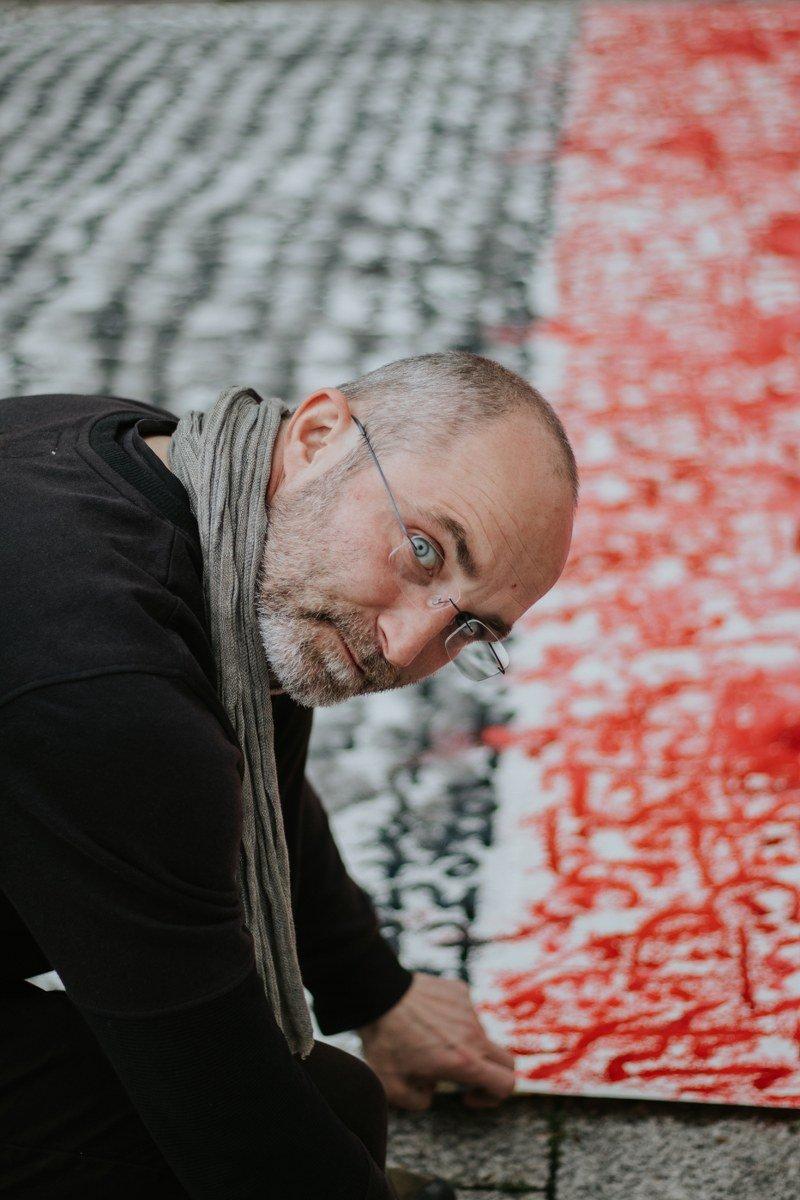 Tomasz Madajczak. Contatto. Photographed by Elena Cristofanon
